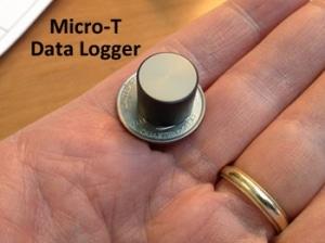 miniature temperature data logger